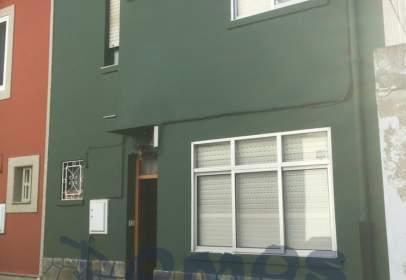 Casa en calle Mariscal Pardo de Cela