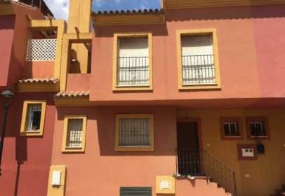 Casa adosada en calle de Séneca