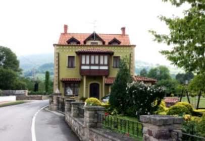 Casa en calle Carretera Helguera