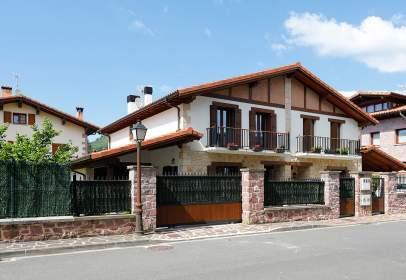 Casa pareada en Avenida de Mourgues