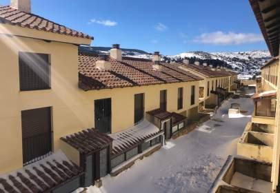 Terraced house in calle Teruel