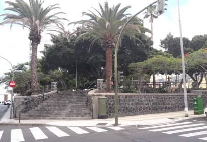 Dúplex en calle Duggi, cerca de Calle Álvarez de Lugo