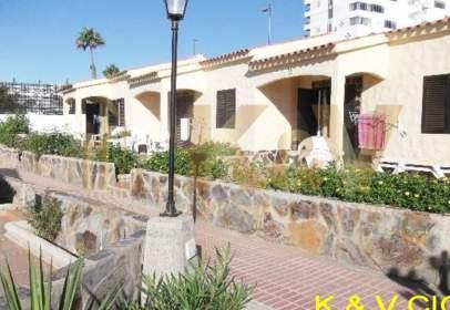 Casa adossada a Avenida Playa del Inglés Avda Gran Canaria Cerca de Playa