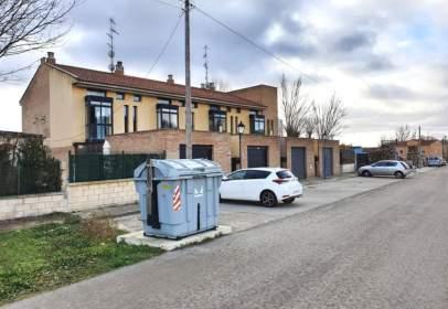 Casa adossada a calle del Molino
