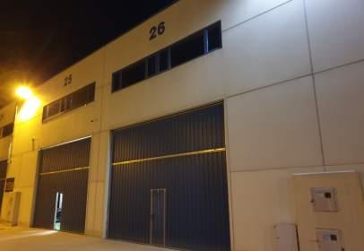 Industrial building in Avenida de Pedernales