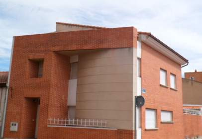 Paired chalet in calle Golondrina