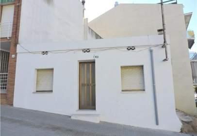 Terreno en calle Carles Ribas