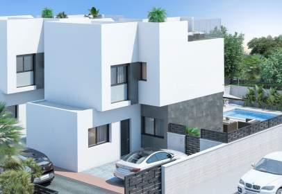Casa en calle Jacinto Benavente, nº 3