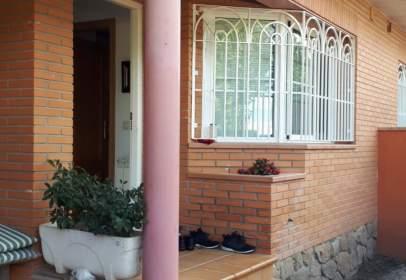 Casa adosada en calle Cercado del Rosario