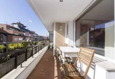 Apartament a calle de Clara del Rey, nº 33