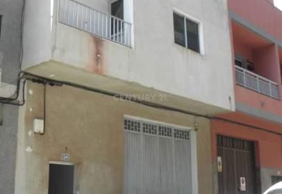 Casa en calle San Isidro