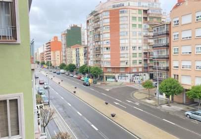 Apartamento en Avenida de Fernández Ladreda, cerca de Calle del Maestro Nicolás