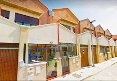 Casa pareada en calle Arado