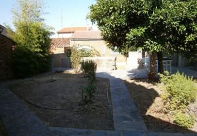 Casa aparellada a calle Rodríguez de La Fuente