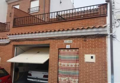 Casa aparellada a Alconchel de La Estrella