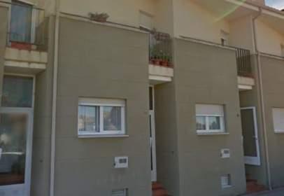 Casa aparellada a calle Recodo
