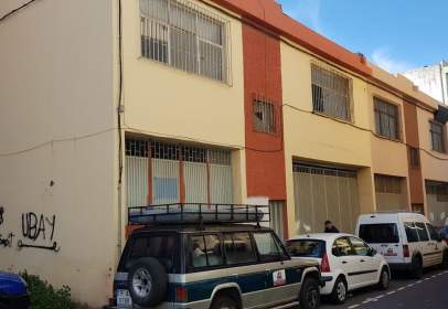 Local comercial a Avenida San Matías