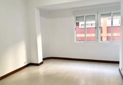 Apartment in Carrer de Vallseca, 20