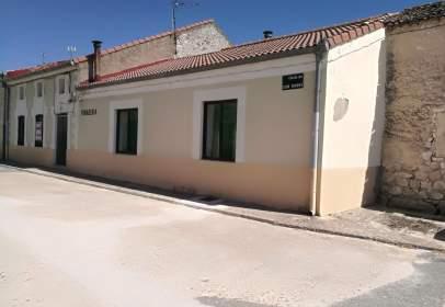 Casa pareada en calle San Roque, nº 2