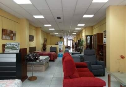 Local comercial a calle de Luis Alberdi