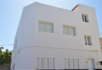 Casa aparellada a calle Sebastián Jiménez Sánchez