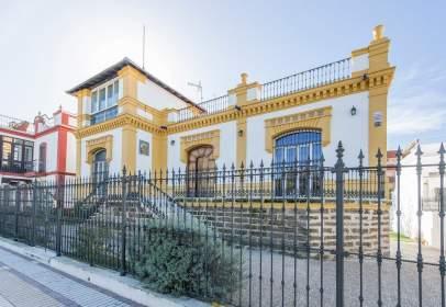 House in Avenida de Guzmán El Bueno