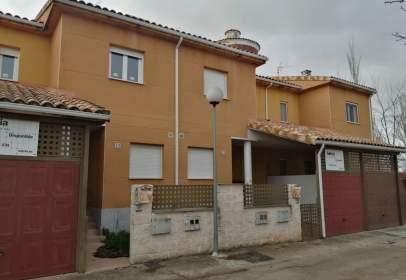 Casa pareada en calle Nueva de Ermita, nº 9