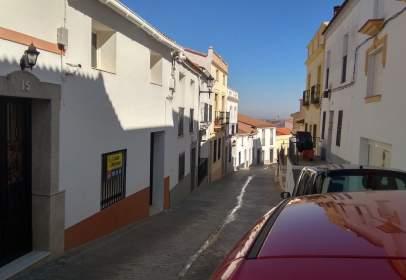 Casa pareada en calle Jarilla, nº 17