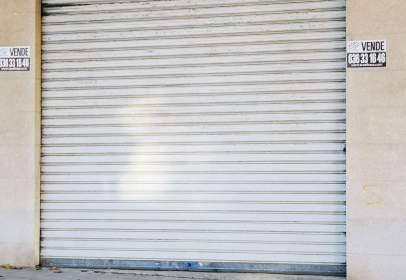 Local comercial en Avenida de Arrabal, Requena
