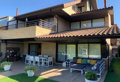 Terraced house in calle Ruben Dario