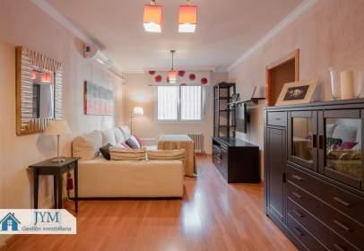 Apartamento en calle Gonzalo De Berceo