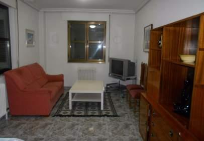 Apartment in Villares de la Reina