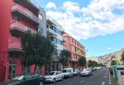 Apartamento en Avenida Enrique Mederos, nº 81