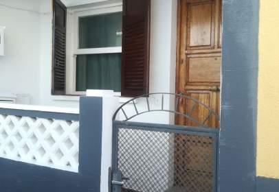 Casa aparellada a calle Simón Bolivar, nº 7