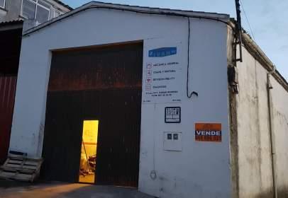 Industrial building in Pasaje de la Luz, 7