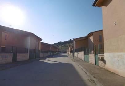 Casa adossada a Hontoria de La Cantera