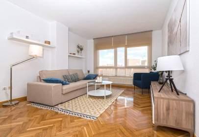 Apartament a calle Estocolmo, 130, prop de Avenida de Villaviciosa