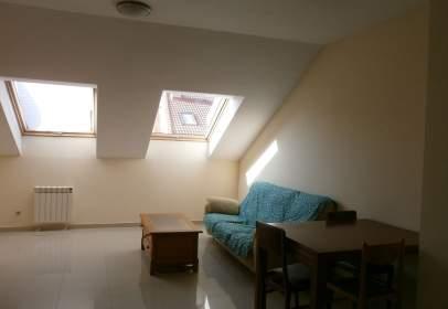 Apartamento en calle Real de Burgos