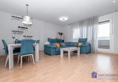 Apartamento en calle Ibón de Cregüeña