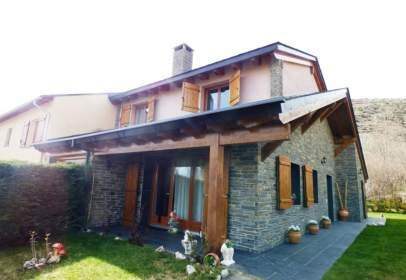 House in Angoustrine-Villeneuve-Des-Escaldes