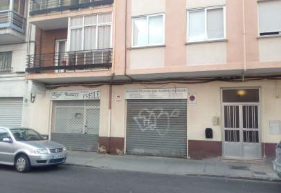 Local comercial a calle Monja Etheria