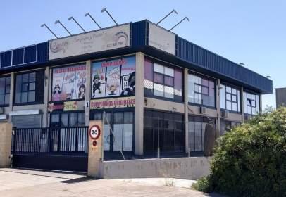 Nau industrial a calle Quitapesares, nº 37