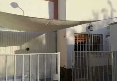 Casa pareada en calle Castañuela, 10