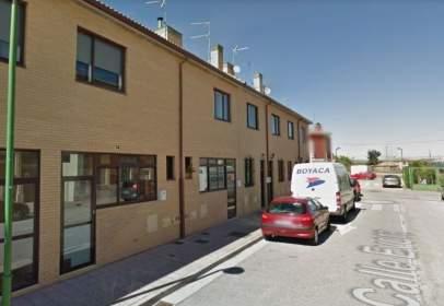 Casa pareada en calle Evora