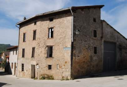 Casa pareada en Peñacerrada - Urizaharra