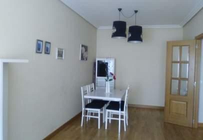 Apartamento en calle de Benito Pérez Galdós
