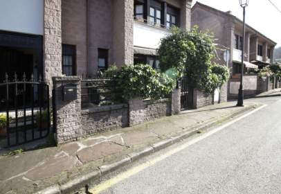 Casa aparellada a Camino Real, nº 185