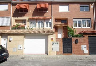 Casa adossada a El Mirador - Grillero