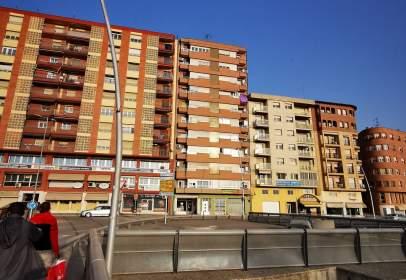 Apartamento en Avenida de los Reyes Católicos, 19