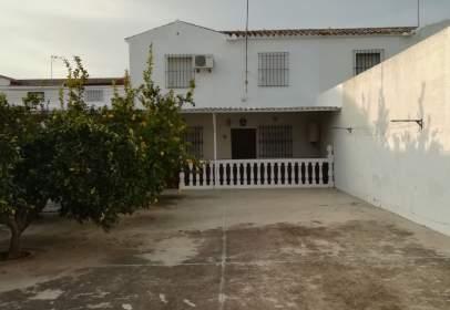 Casa adosada en calle San Ignacio Obispo